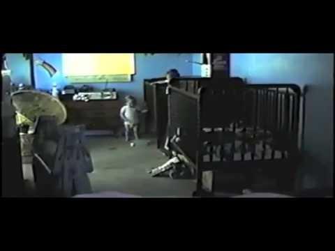 Ucieczka-z-lozek-dzieciecych---ukryta-kamera