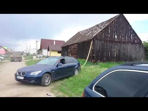Burzenie-stodoly-za-pomoca-BMW